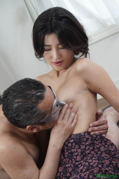 百多えみり(水川スミレ)